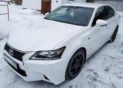 Автомобиль Lexus GS