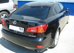 Автомобиль Lexus IS