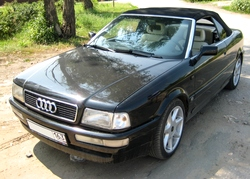 Автомобиль Audi кабриолет
